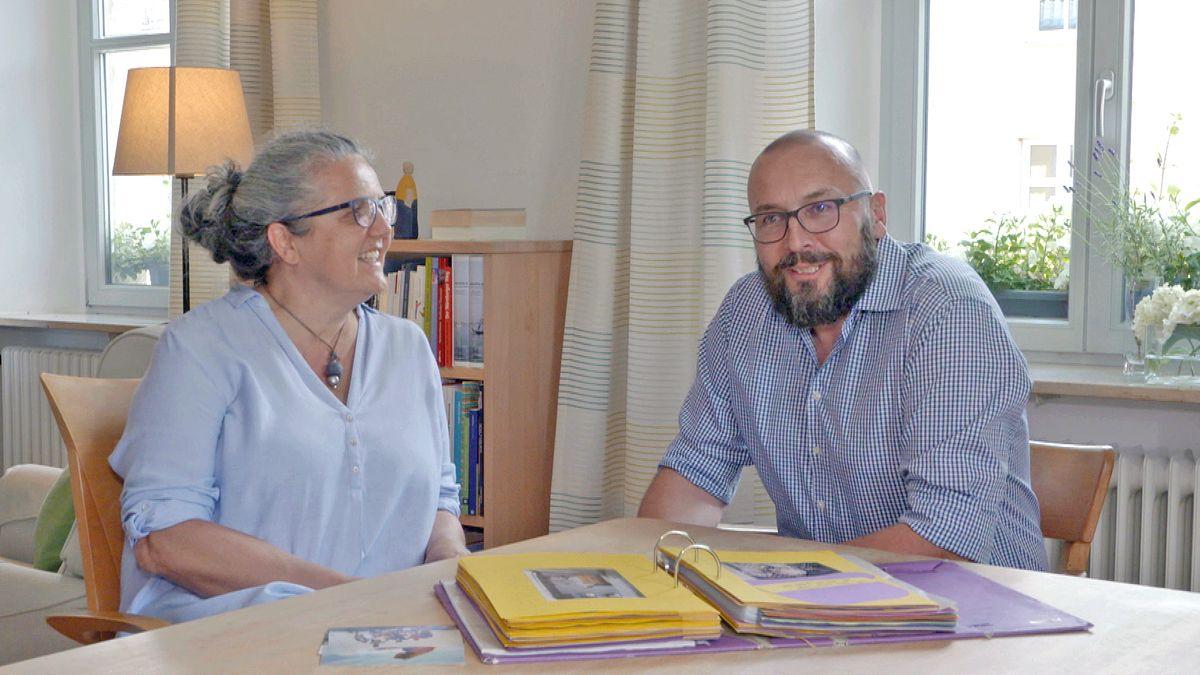 Thomas und Katja sind ein überkonfessionelles Paar: Er ist evangelischer Pfarrer. Sie ist katholische Religionspädagogin.
