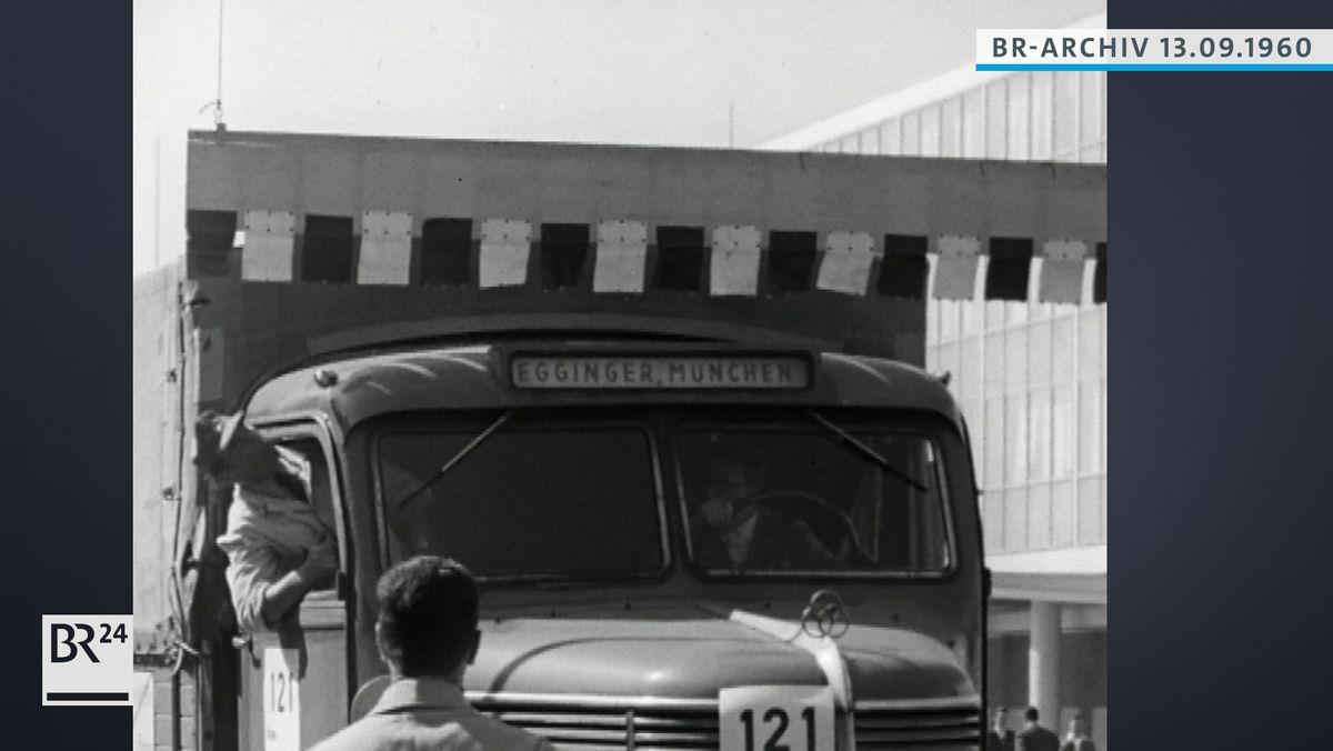 Ein LKW kurz vor der Kollision mit einem Hindernis