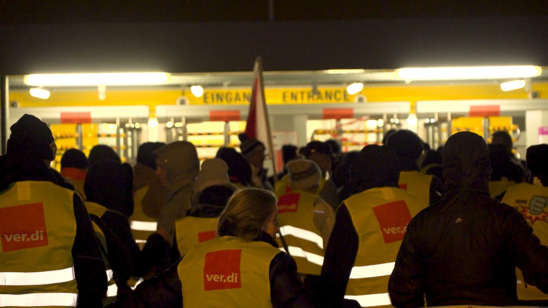 Kurz nach Weihnachten: Streikwelle erreicht Amazon Graben