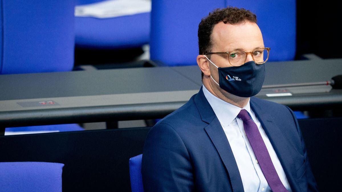 CDU-Bundesgesundheitsminister Jens Spahn zeigt sich besorgt über die aktuellen Entweicklungen der Corona-Fallzahlen in Deutschland