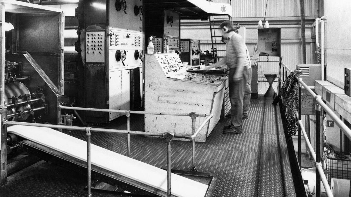 Verlag und Druckerei Main-Echo, Offset-Rotationsmaschine COLORMAN 30, Druckwerk, Falzapparat, Auslage, Steuerpult Karl-Heinz Liebler, 1989