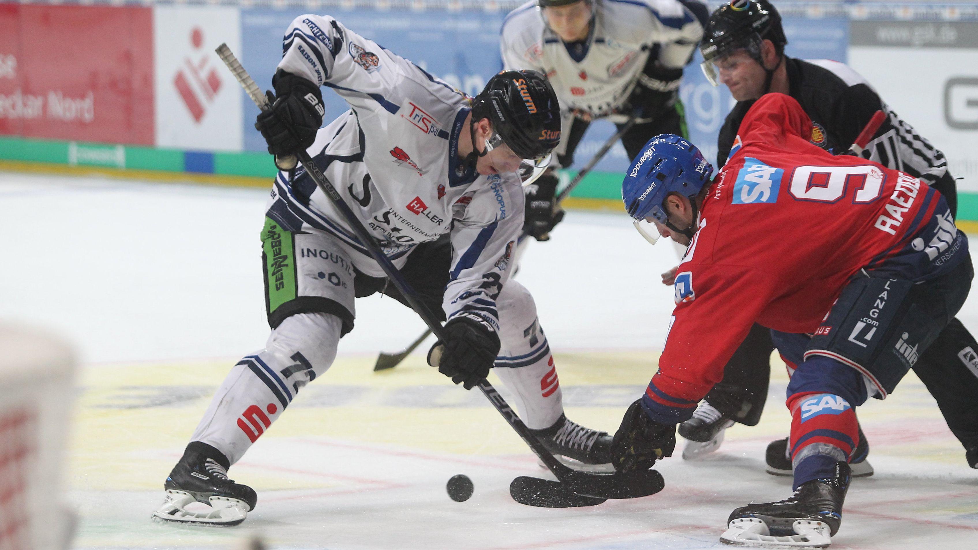 Adler Mannheim gegen Straubing Tigers