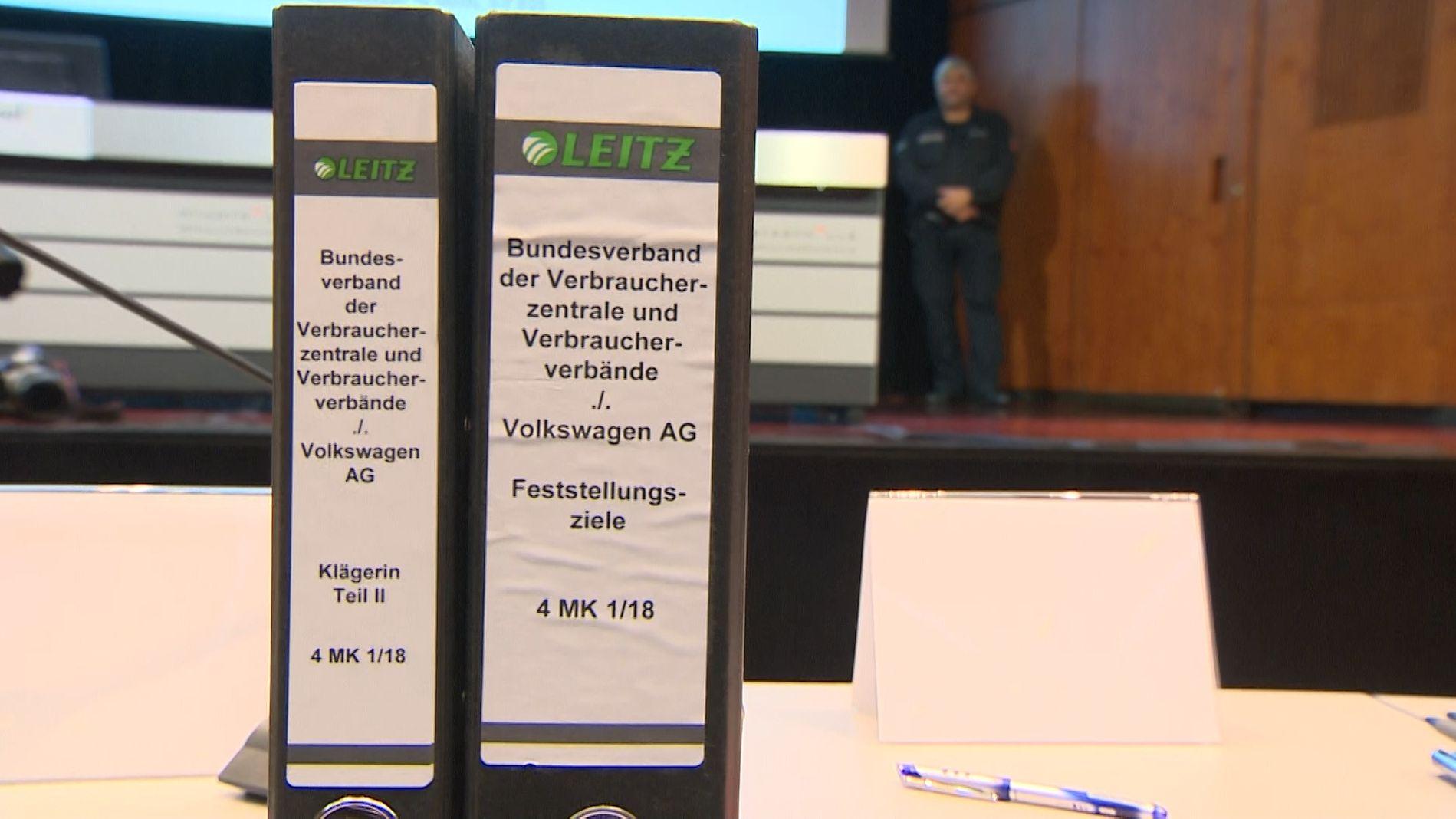 Prozessauftakt: Dieselbesitzer gegen Volkswagen