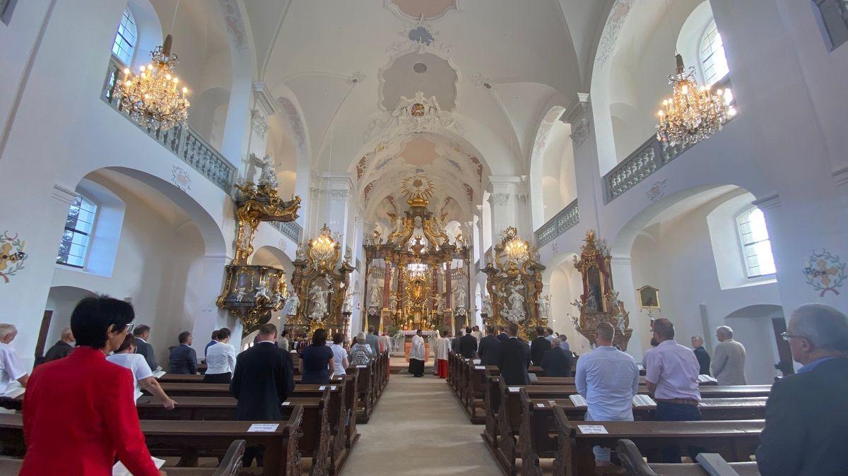 Altarweihe in Maria Limbach durch Würzburgs Bischof Franz Jung