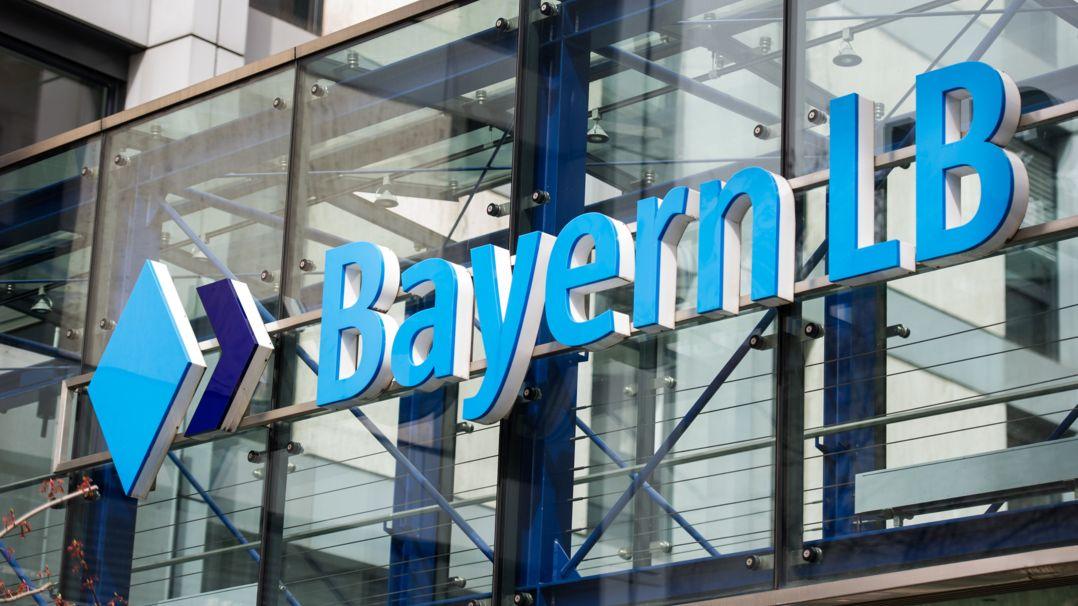 Das Logo der bayerischen Landesbank, Bayern LB, aufgenommen in München.