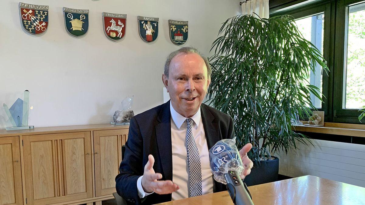 Der Berchtesgadener Landrat Georg Grabner in seinem Büro in Bad Reichenhall.