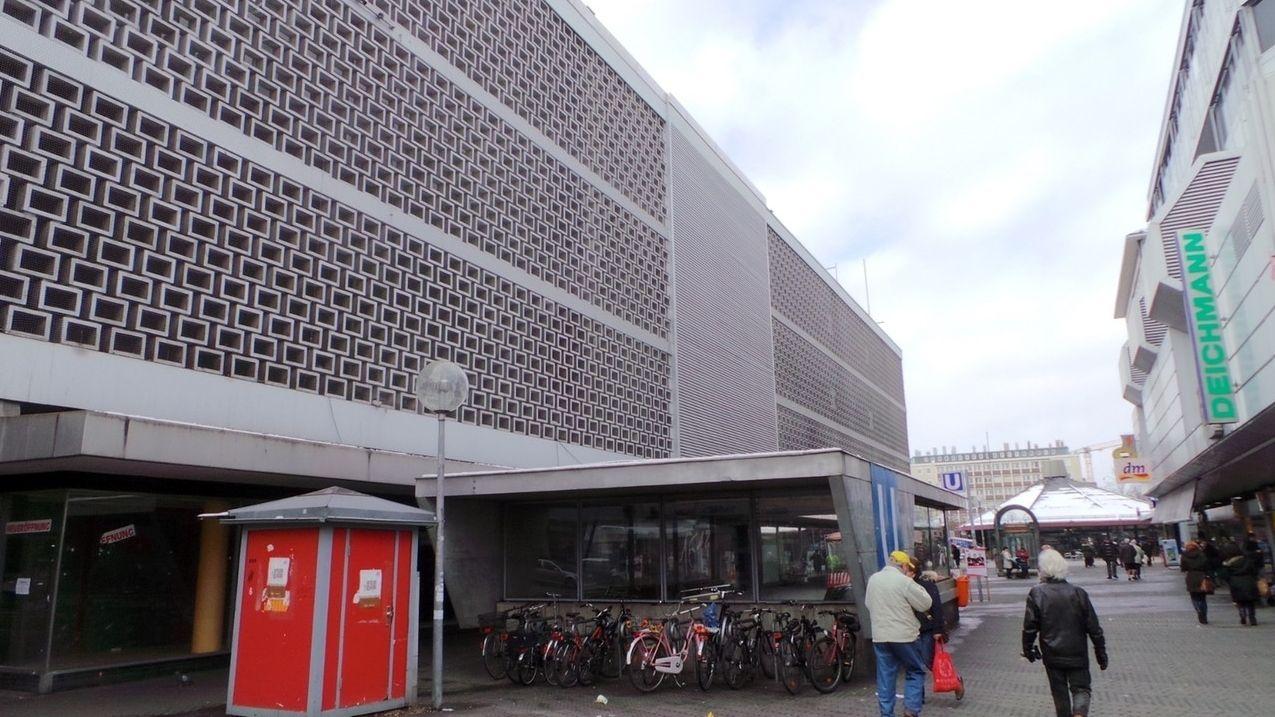 Kaufhaus auf dem Nürnberger Aufseßplatz