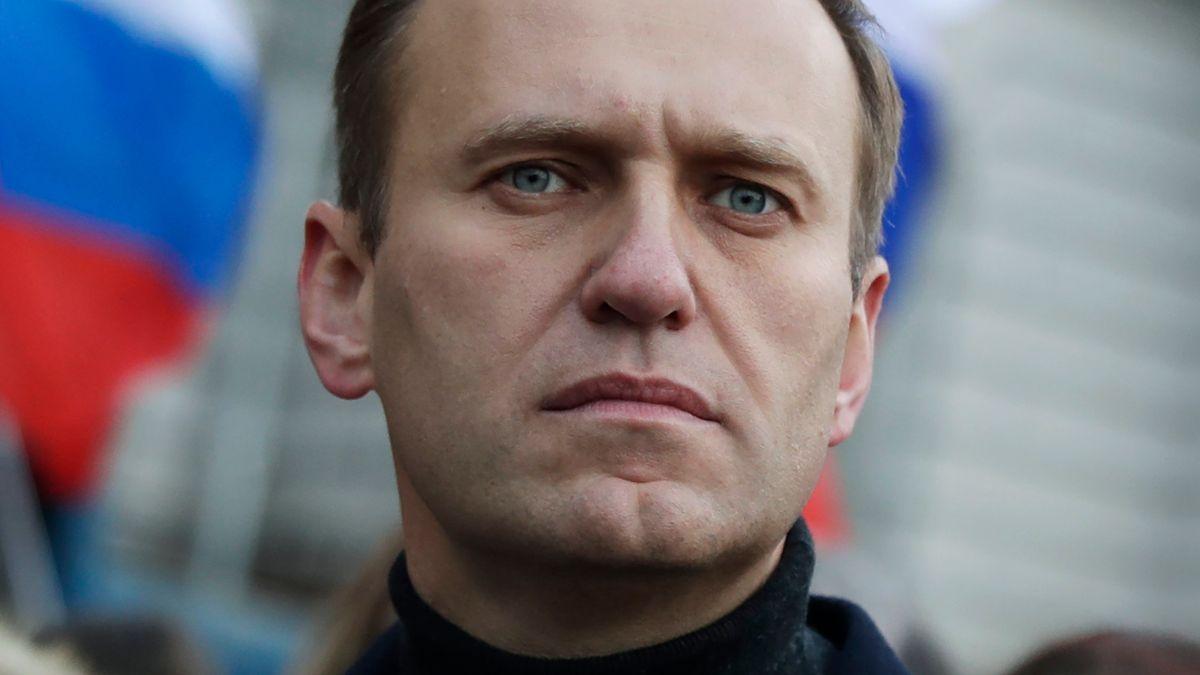 Nahaufnahme von Nawalnys Gesicht