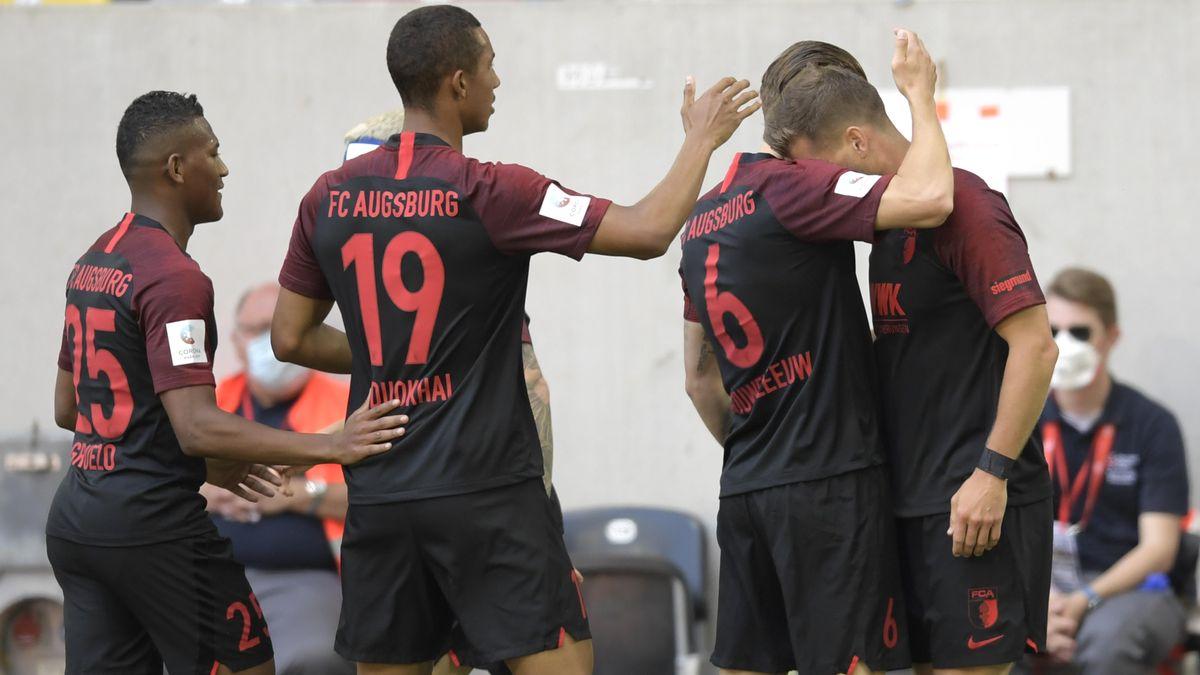 Erleichterte Spieler des FC Augsburg
