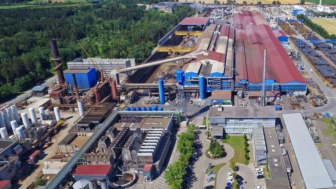 Die Lech-Stahlwerke im Meitinger Ortsteil Herbertshofen
