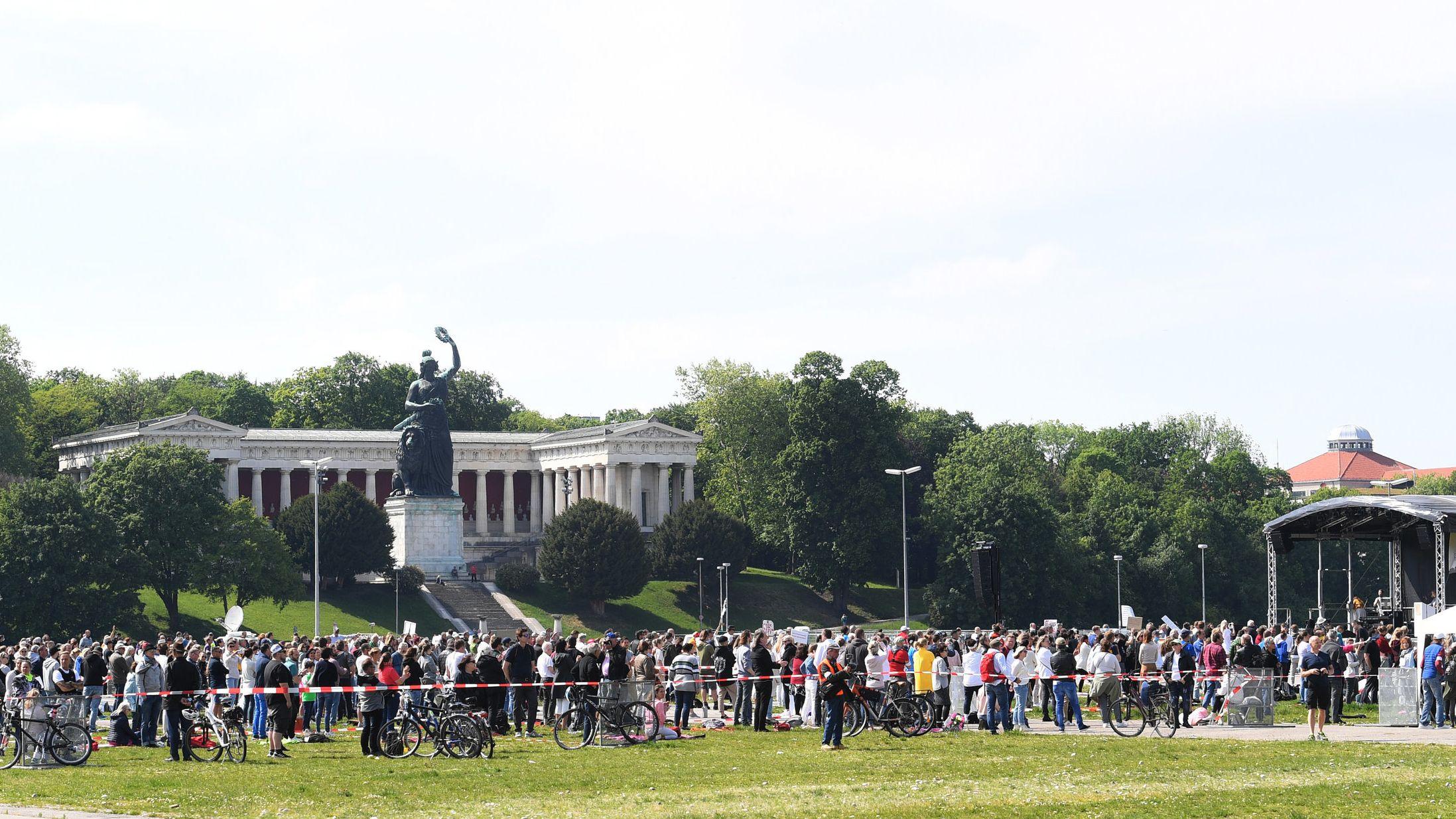Die Demo auf der Münchner Theresienwiese verlief weitgehend friedlich