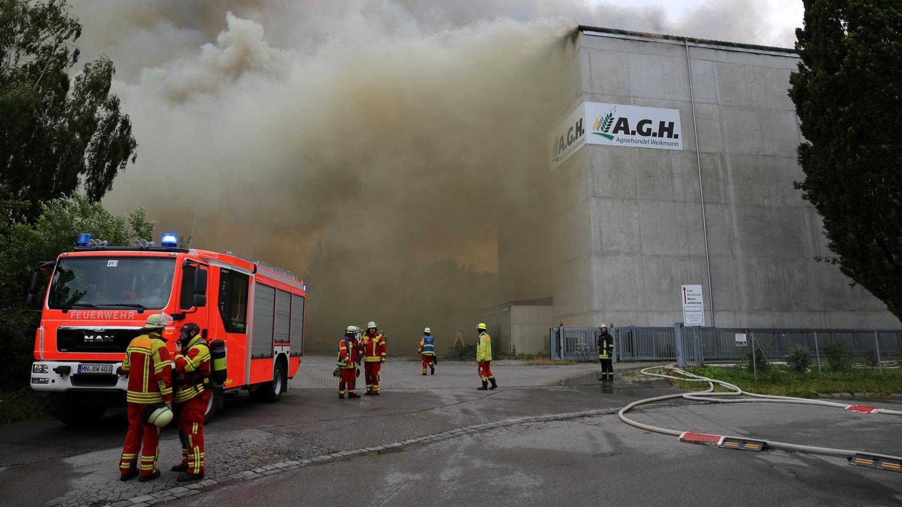 Brand in einer Mindelheimer Lagerhalle.