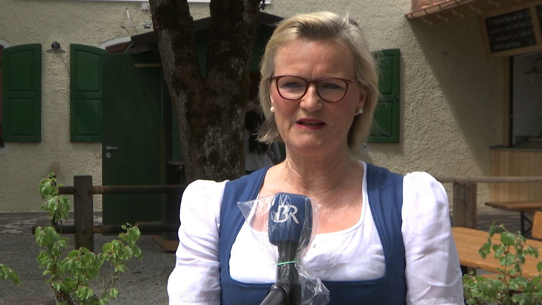 Verbandspräsidentin Angela Inselkammer mahnt zur Einhaltung der Hygieneregeln in Gaststätten.
