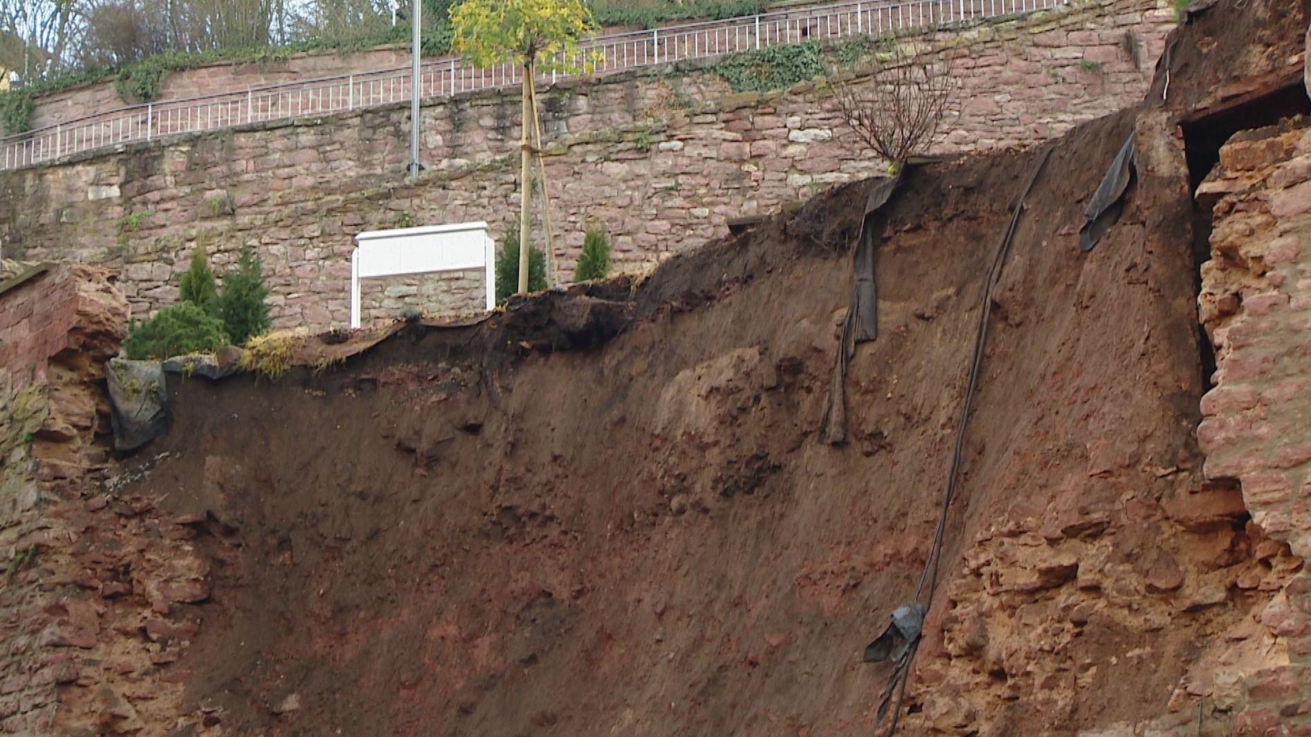 Stützmauer in Wertheim eingestürzt