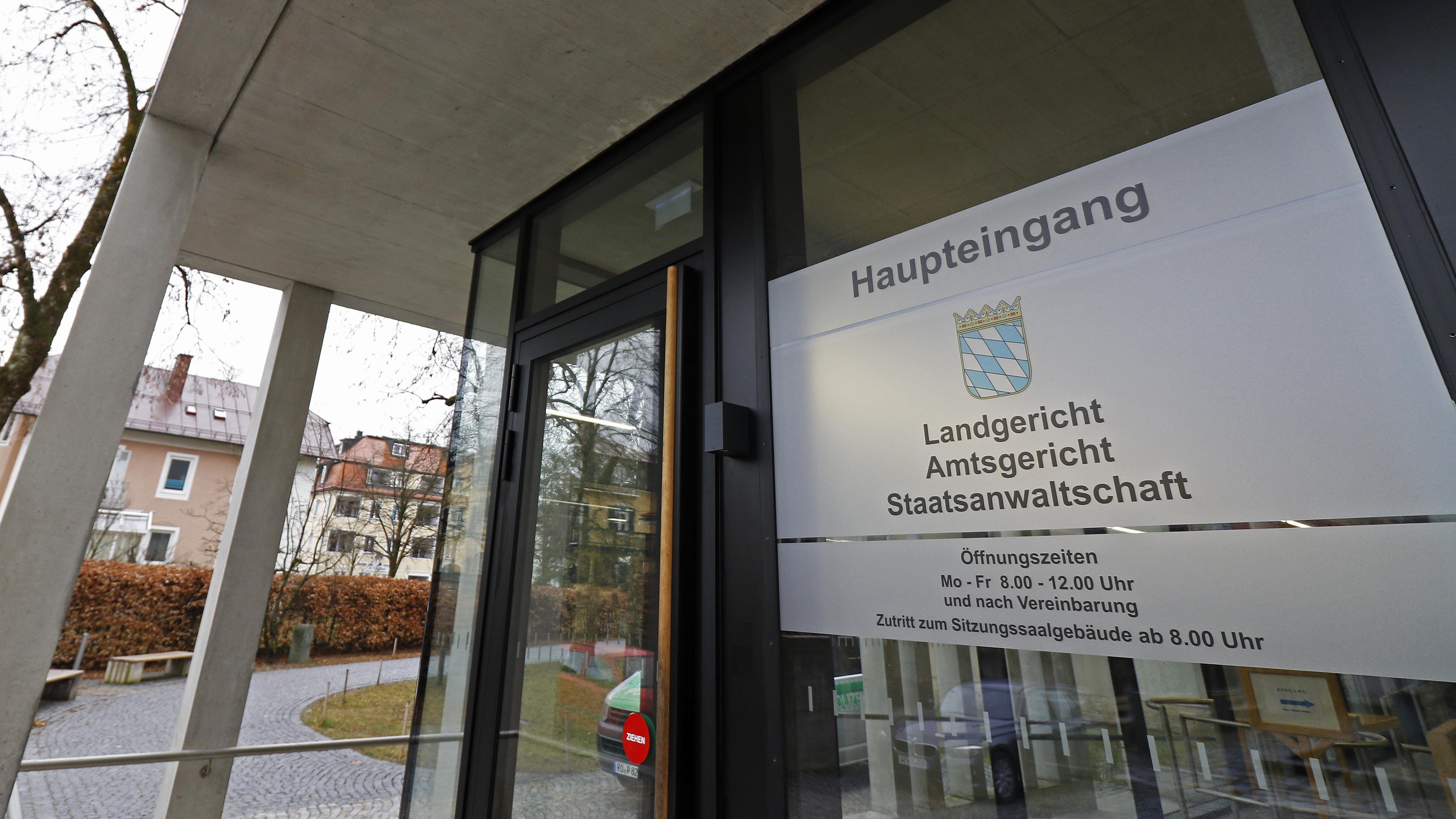 Außenansicht des Justizgebäudes am Landgericht in Traunstein