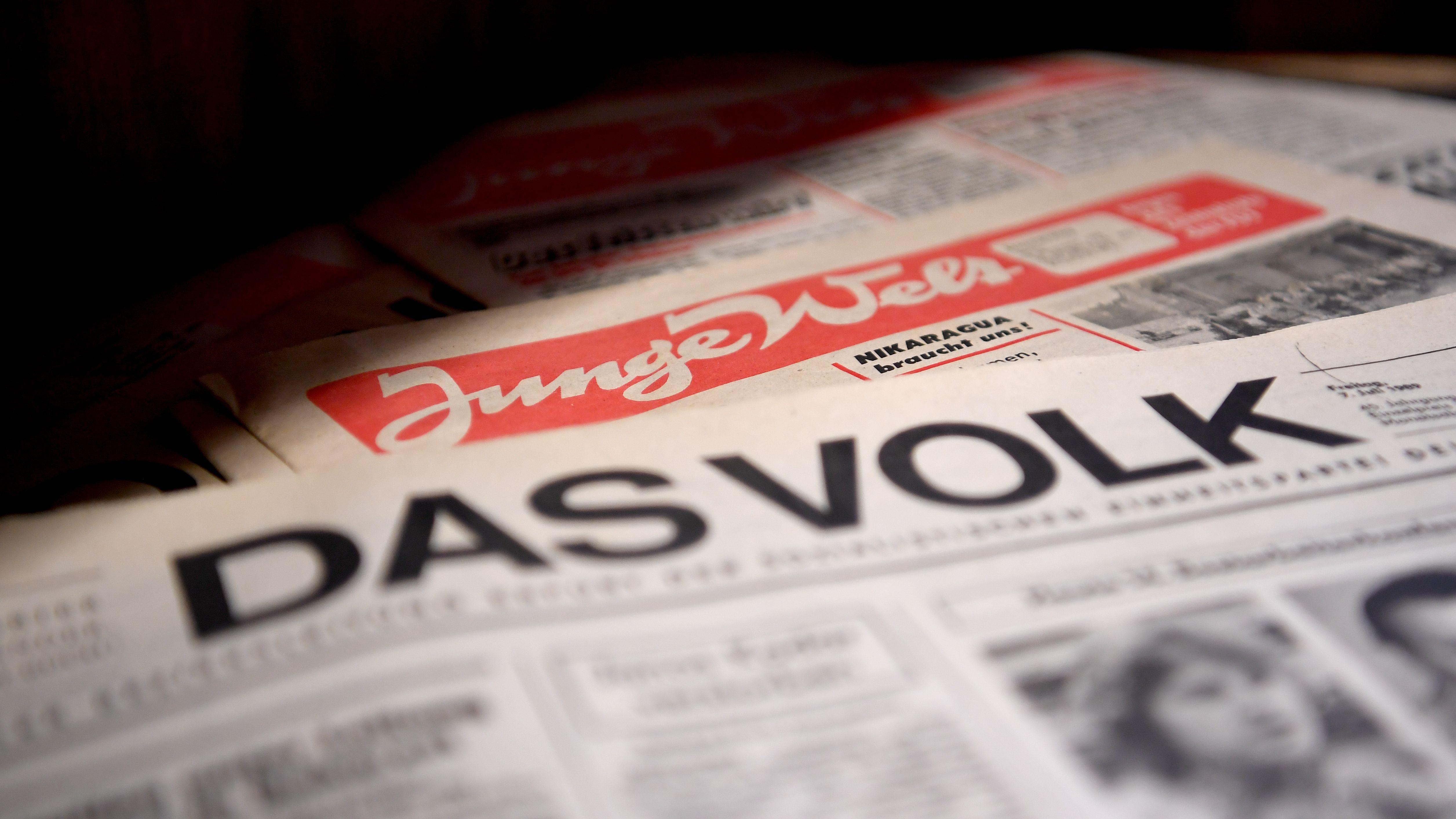 """Zeitung """"Junge Welt"""" und """"Das Volk"""""""