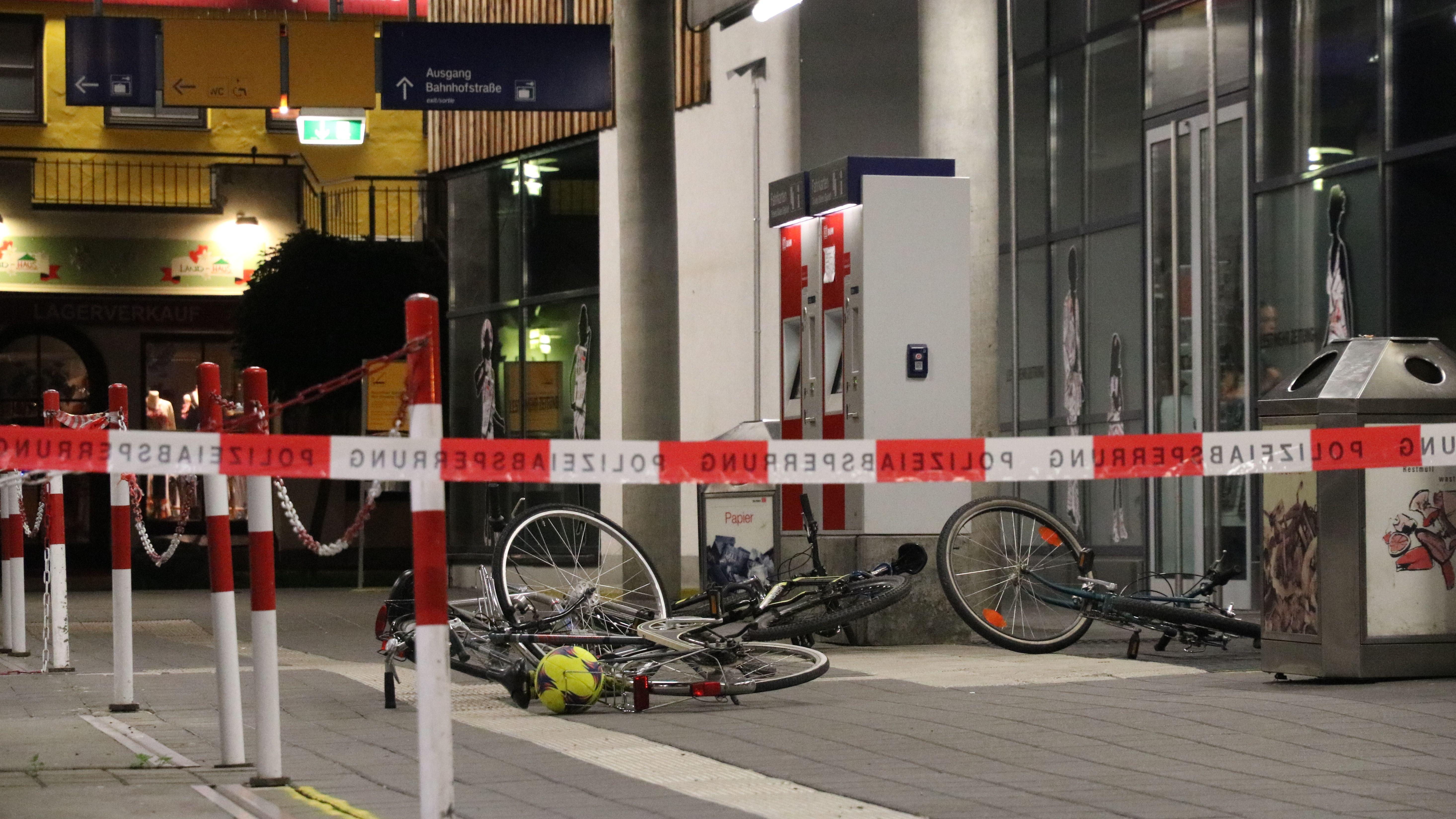 Polizei-Absperrung am Bahnhof Oberstdorf