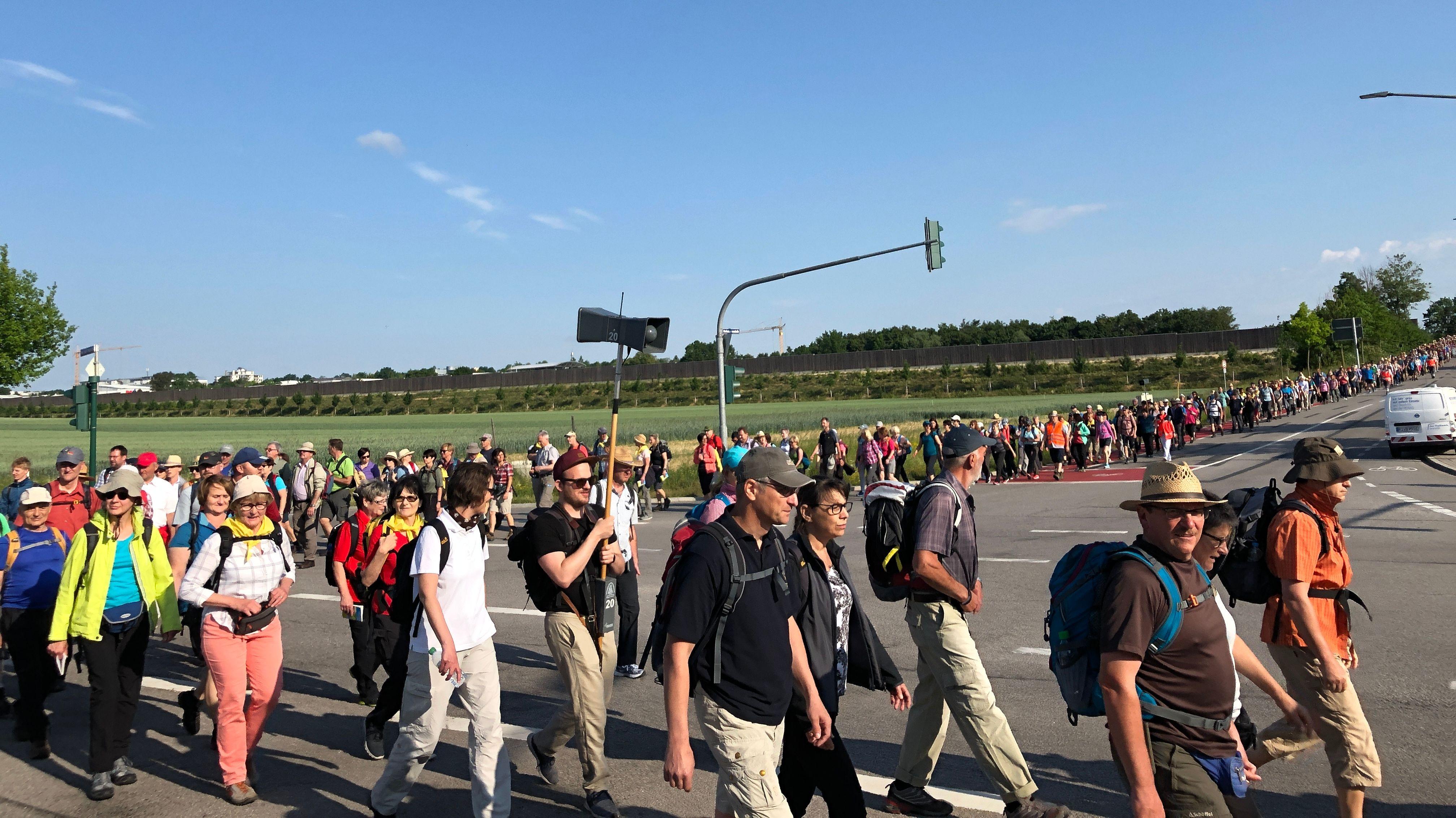 Tausende Pilger auf dem Weg nach Altötting