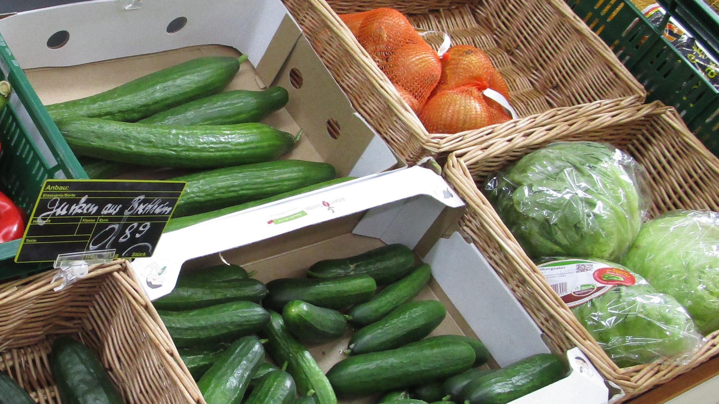 Gemüsetheke in einem Dorfladen (Symbolbild)