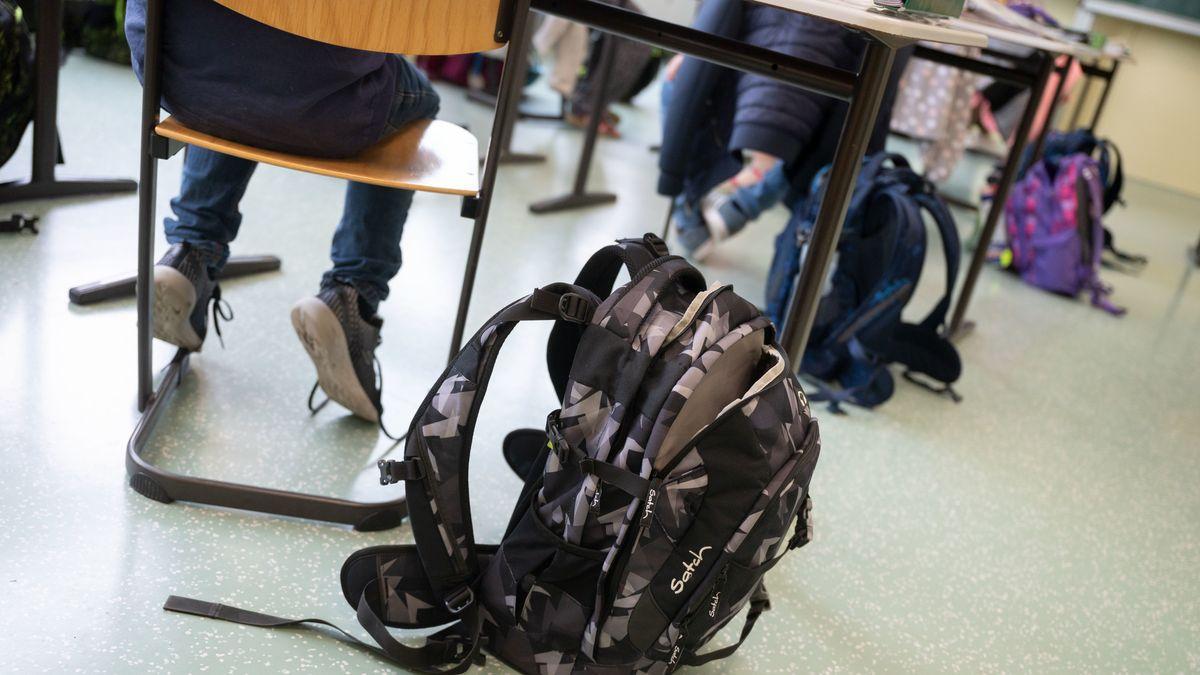 Kinder in der Schule (Symbolbild)