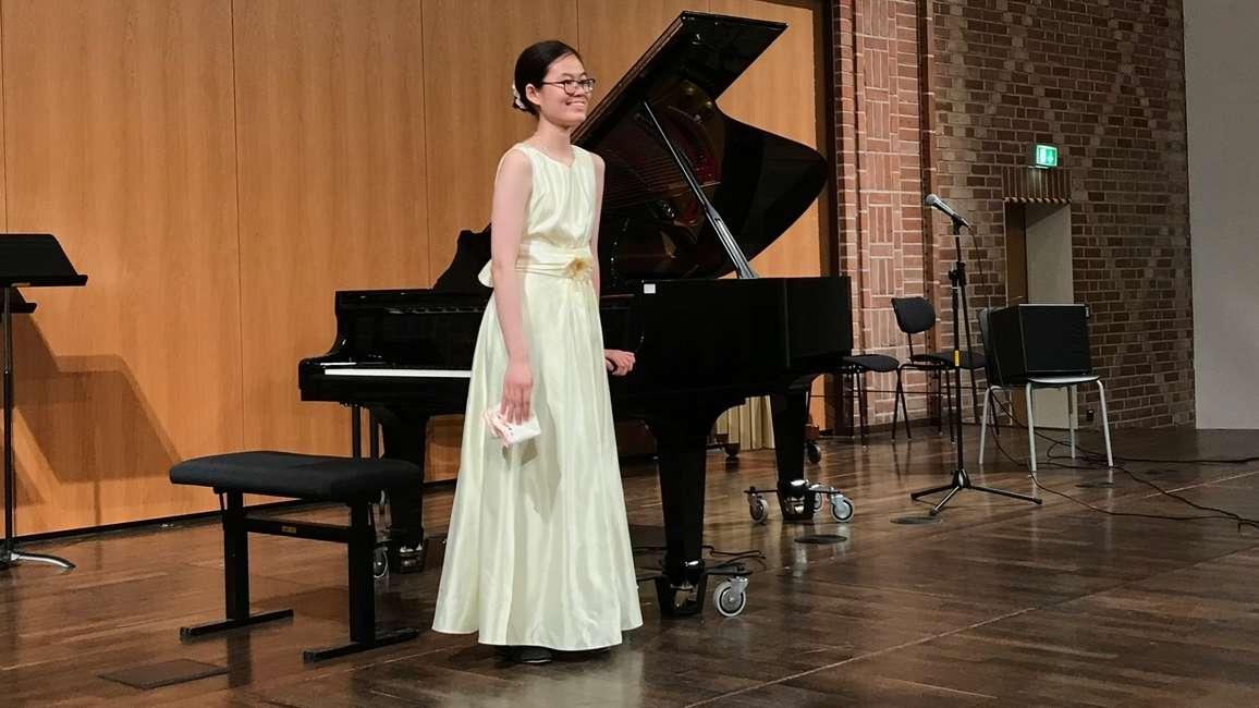 Hong An beim Konzert für ihre Eltern