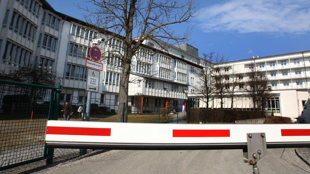 Das Krankenhaus Weilheim aufgenommen im Jahr 2011.
