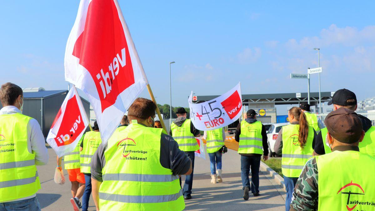 Verdi-Beschäftigte demonstrieren