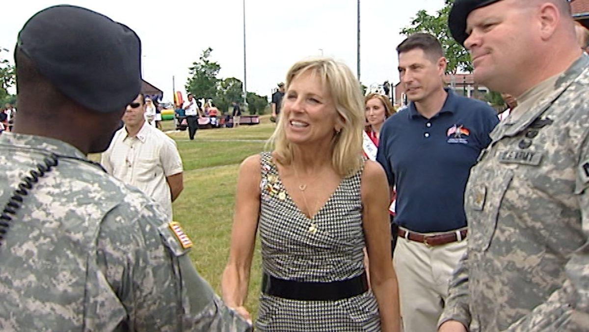 Jill Biden im Juli 2009 bei der US Armee in Schweinfurt