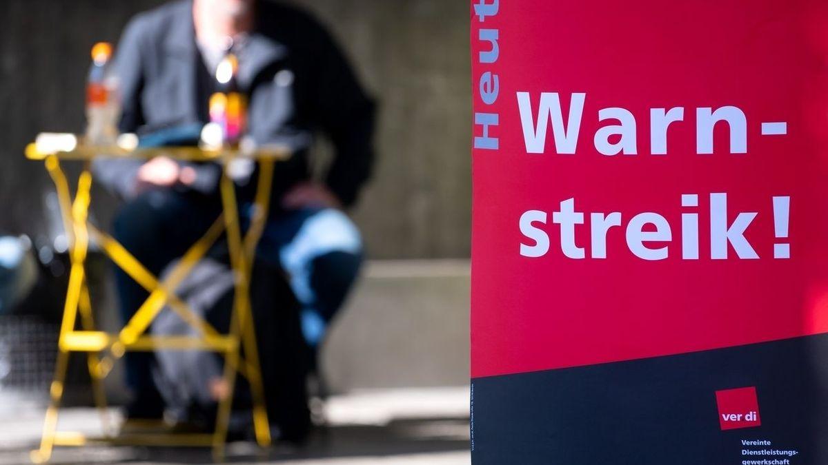 Auch heute legen die Beschäftigten am Klinikum Nürnberg wieder die Arbeit nieder. Die Gewerkschaft Verdi hat im aktuellen Tarifstreit zu einem 48-stündigen Warnstreik aufgerufen. Die Notbetreuung für Patienten ist gewährleistet, so das Klinikum. (Symbolbild)