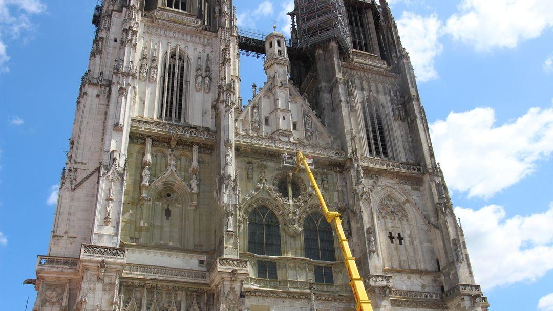 Dombauhütte Regensburg bei der Arbeit: Sie ist jetzt Immaterielles Kulturerbe
