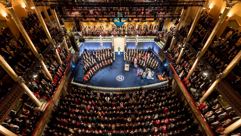 Blick von oben auf die Zeremonie zur Verleihung der Nobelpreise in Stockholm