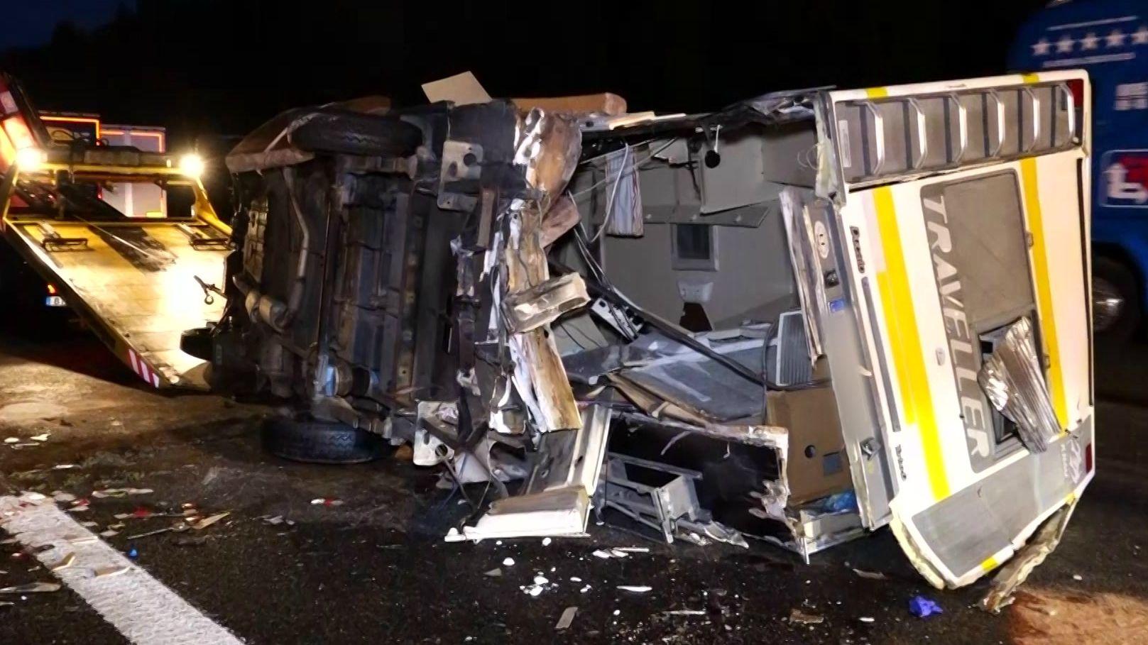 Wohnmobil nach dem Unfall