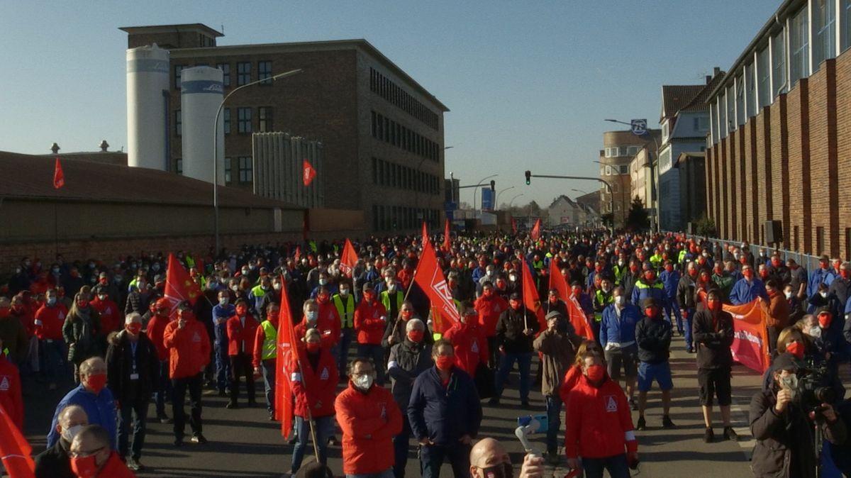 Warnstreik der IG Metall in Schweinfurt