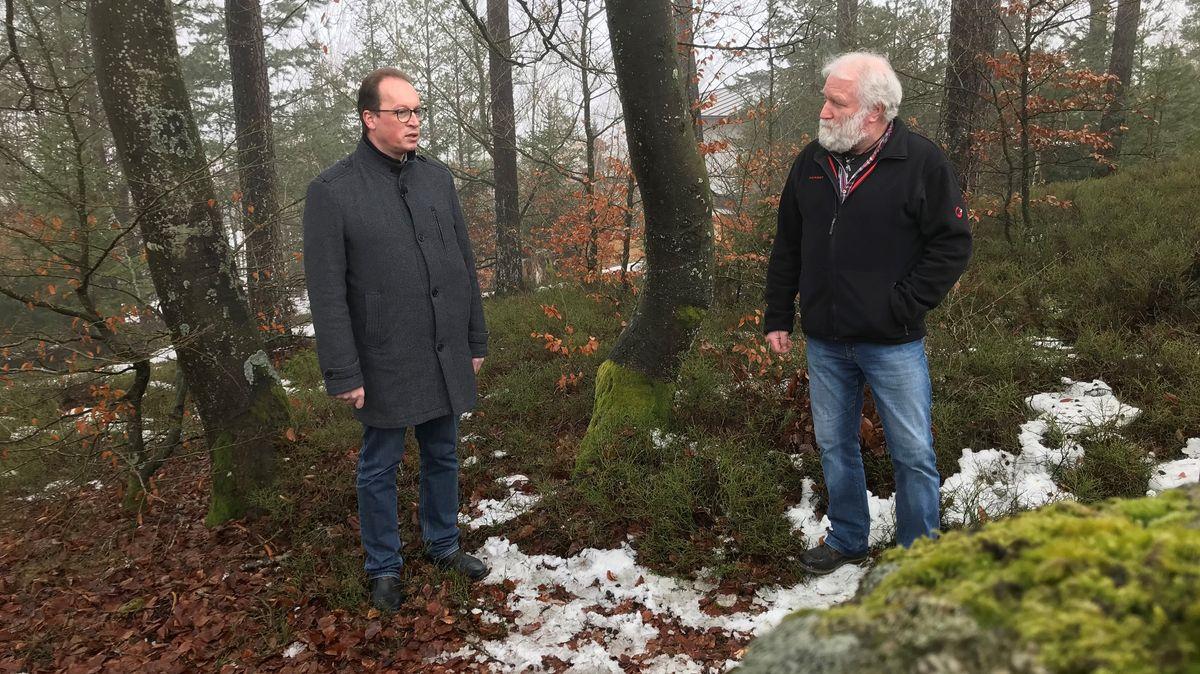 Martin Behringer (li.) und Christoph Hamann im Granit-Gebiet des Bayerischen Waldes