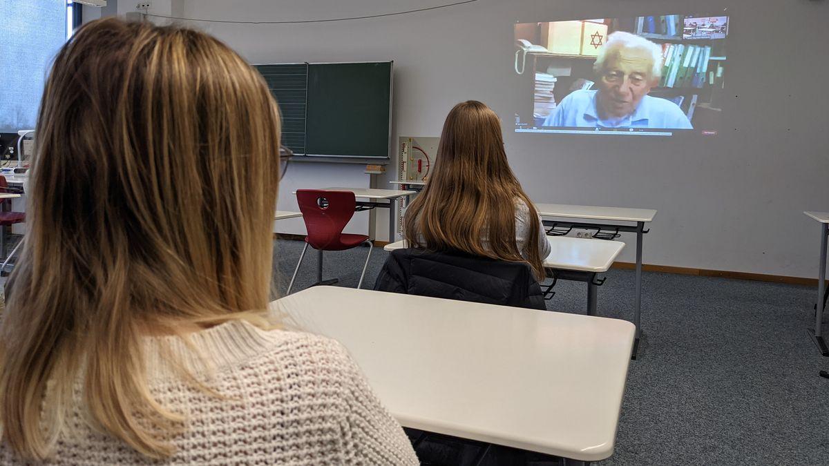 Zeitzeugen-Gespräch in einer Landsberger Realschule