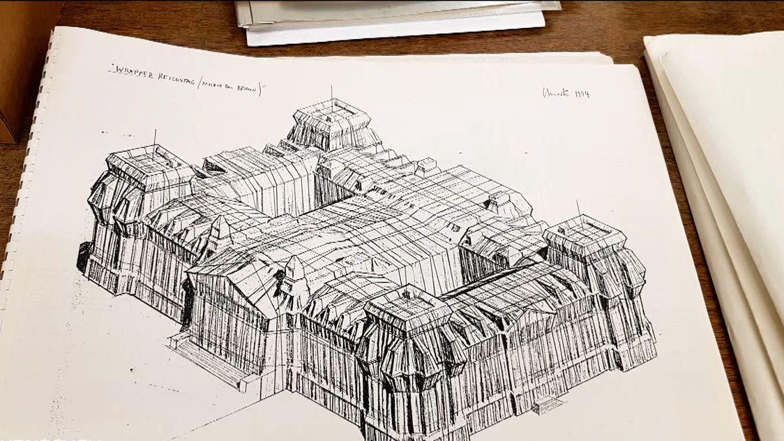 Skizze des verhüllten Reichstagsgebäudes im Archiv des Germanischen Nationalmuseums in Nürnberg