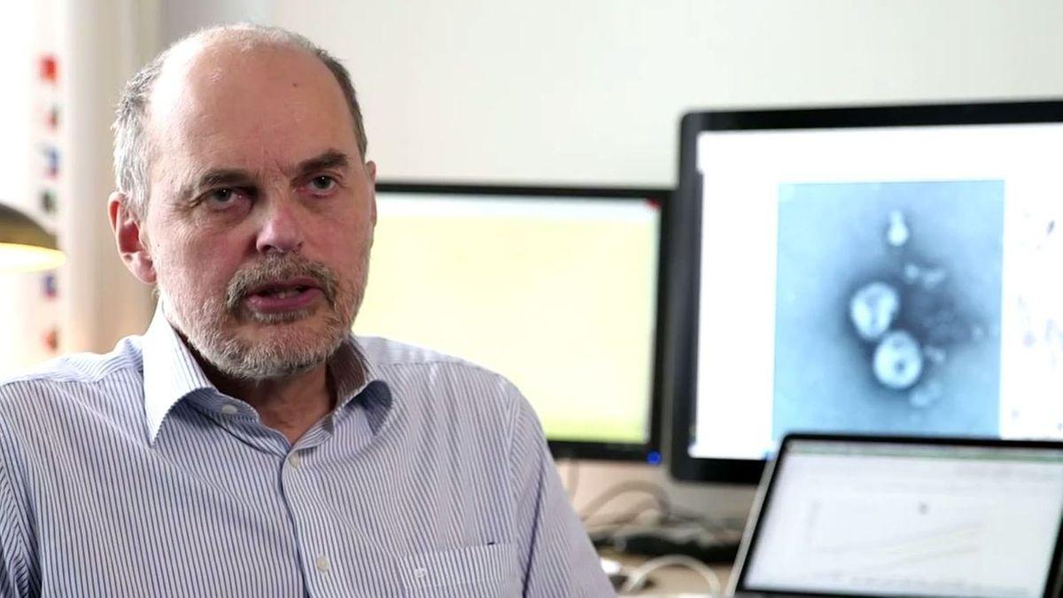 Infektiologe Prof. Bernd Salzberger vom Uniklinikum Regensburg sieht Corona-Impfungen vor Weihnachten kritisch