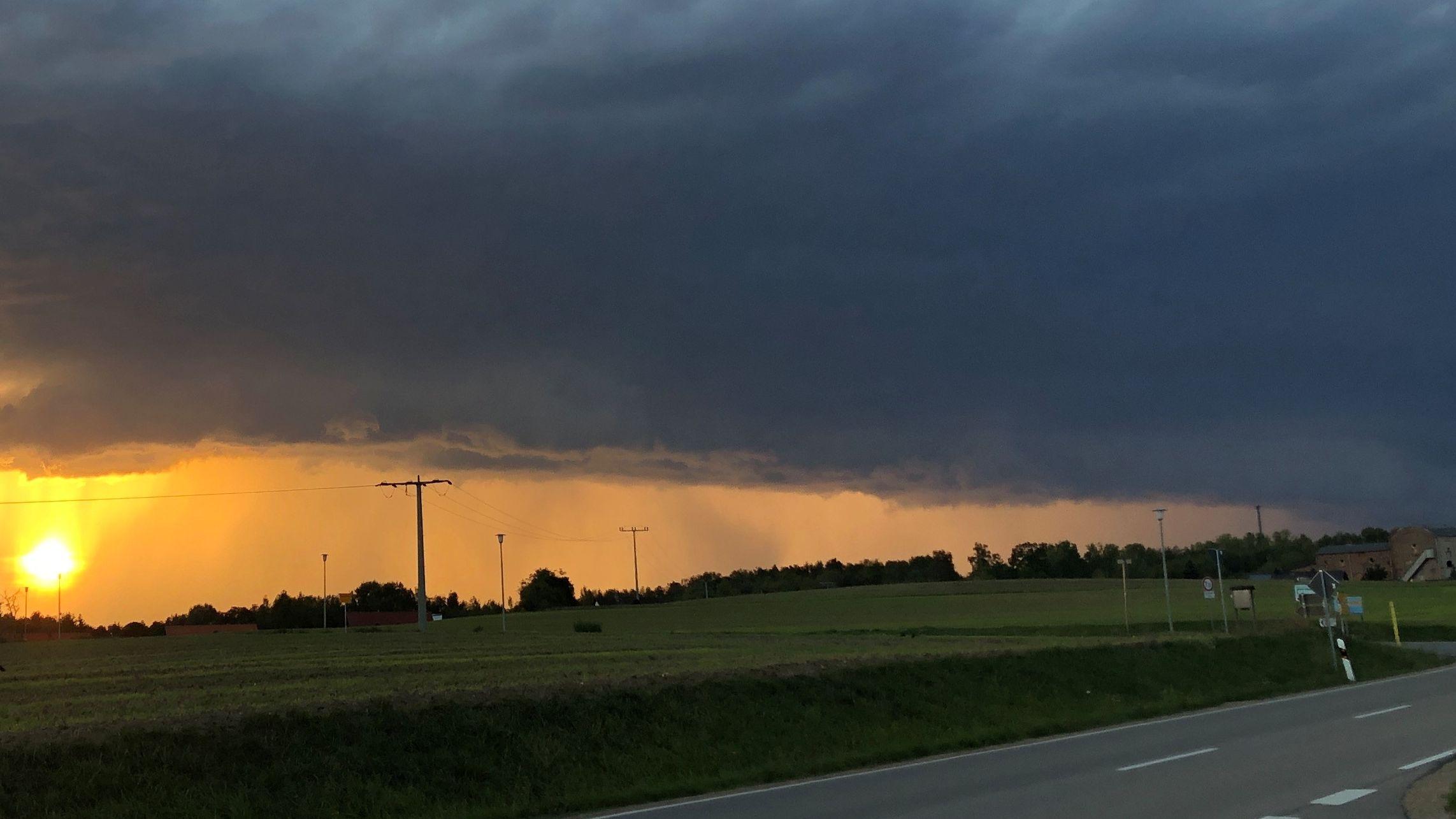 Am Abend erreichte die Unwetterfront den Landkreis Schwandorf