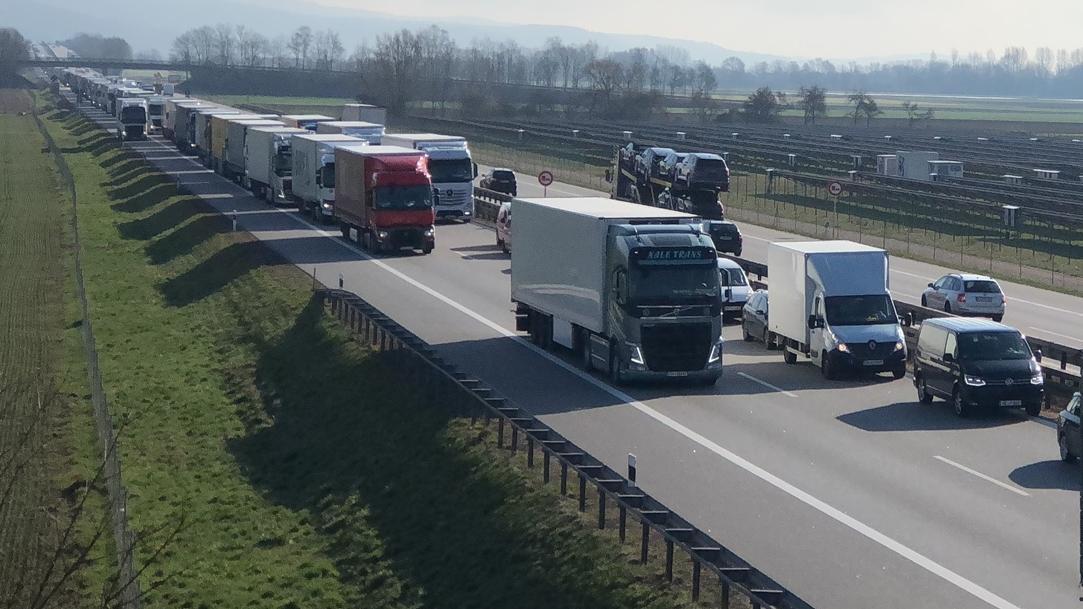 Stau heute auf der A3 bei Regensburg