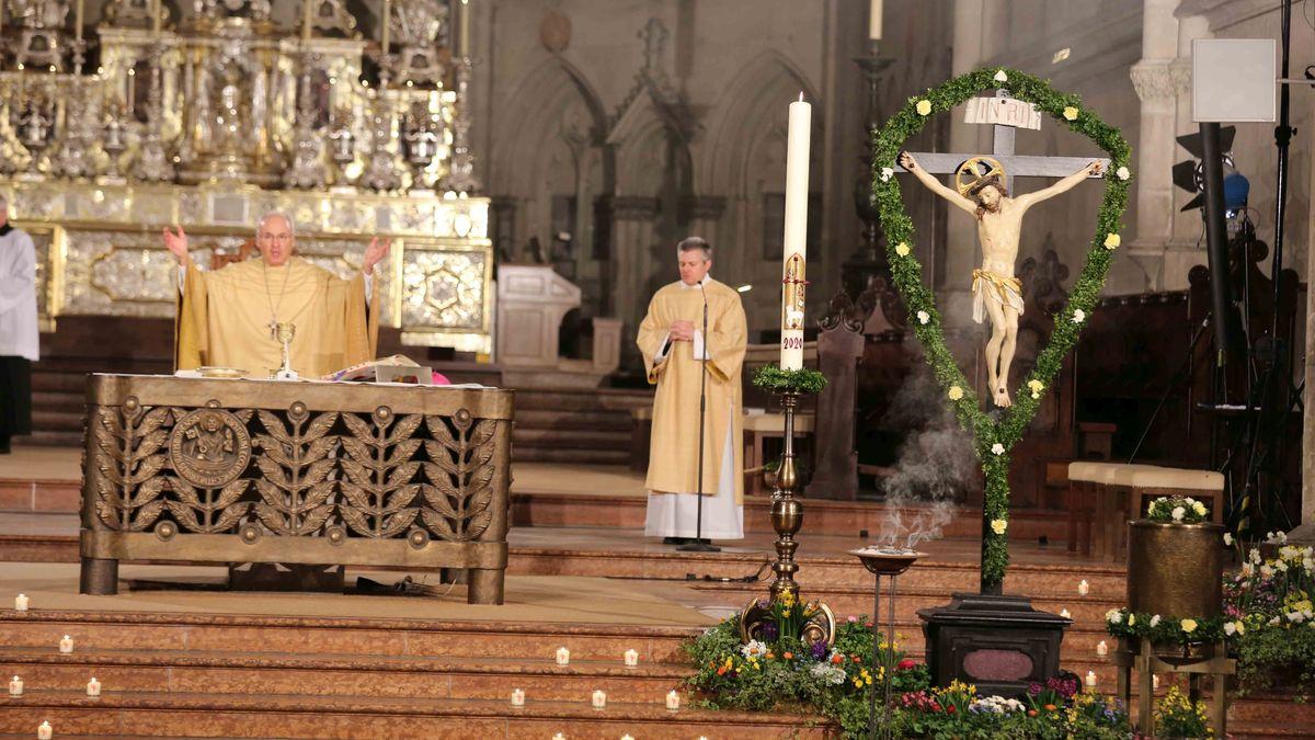 Bischof Voderholzer am Ostersonntag im Regensburger Dom