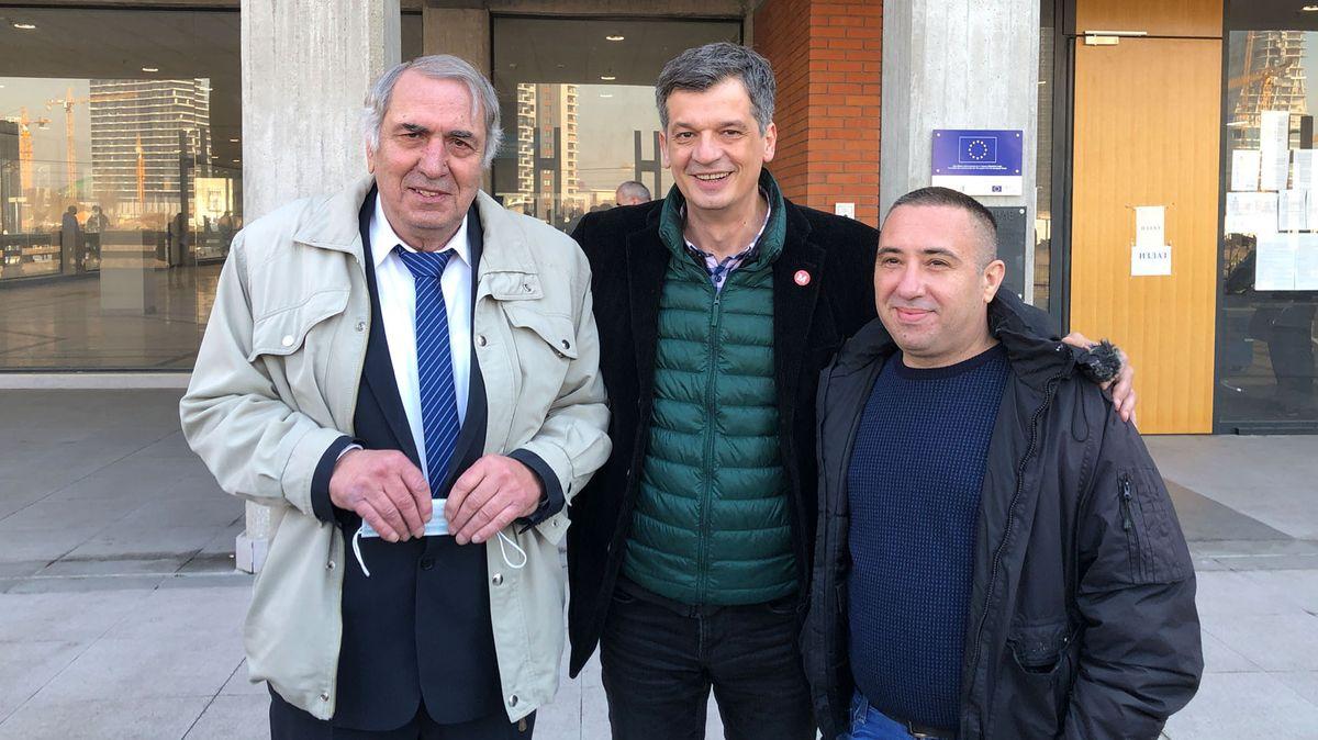 Milan Jovanović, Željko Bodrožić, Präsident des Unabhängigen Journalistenverbands Serbiens (NUNS) und Žig Info–Chefredakteur Željko Matorčević.
