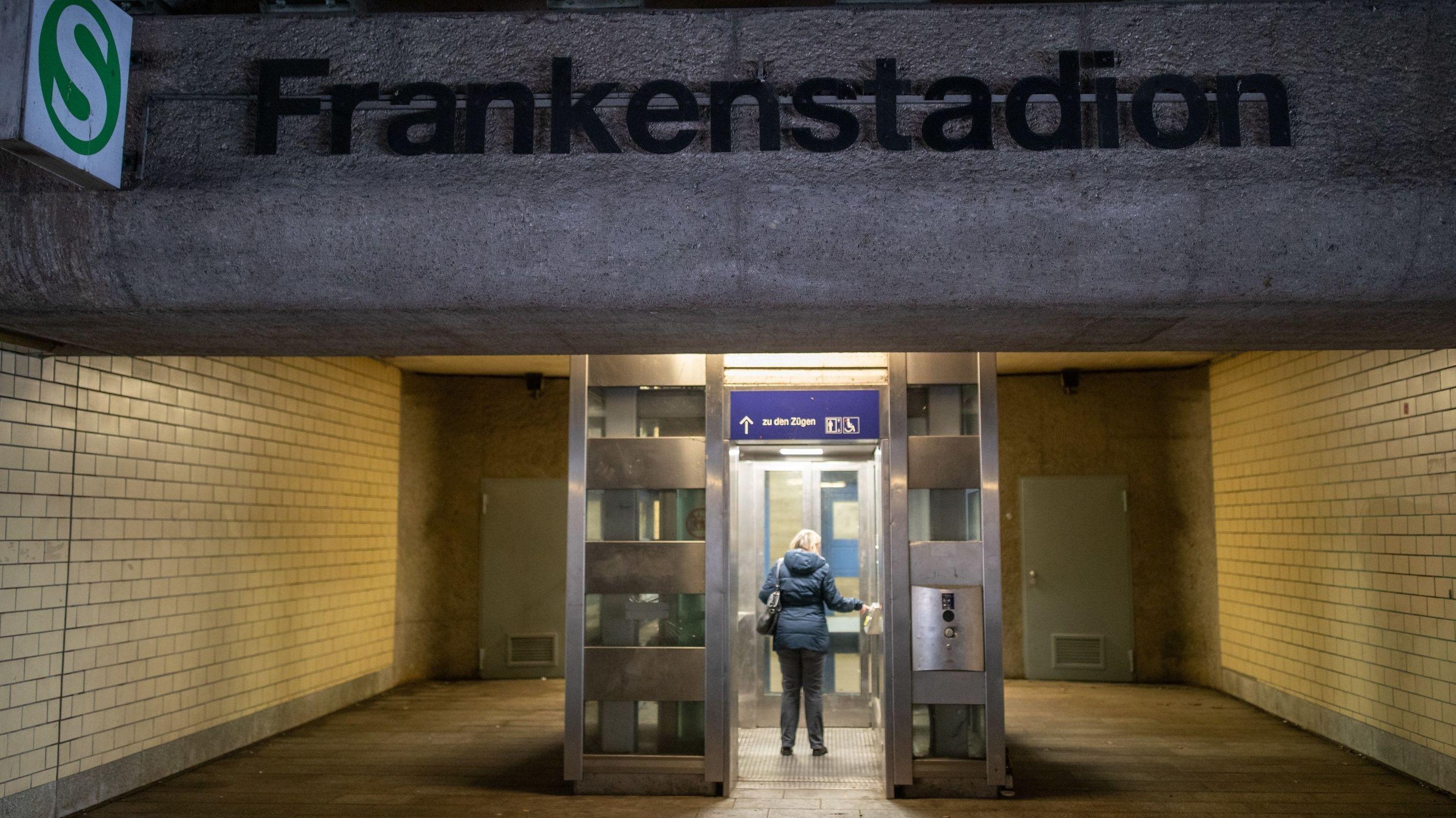 S-Bahnhaltestelle in Nürnberg