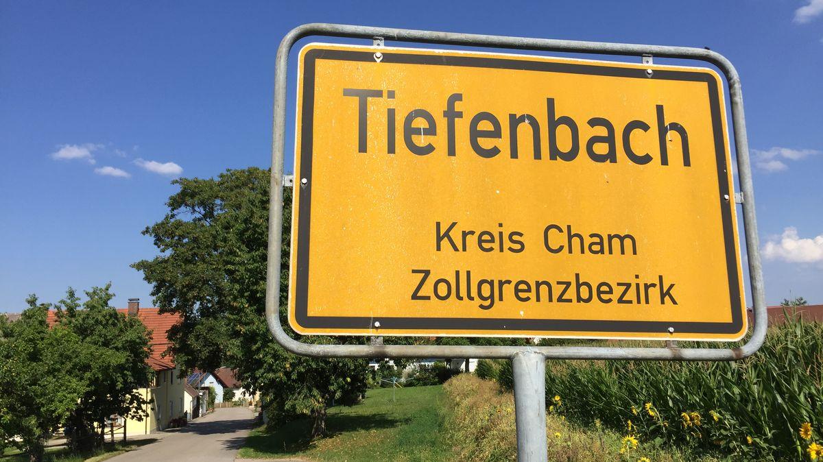 Ortseingang von Tiefenbach im Landkreis Cham