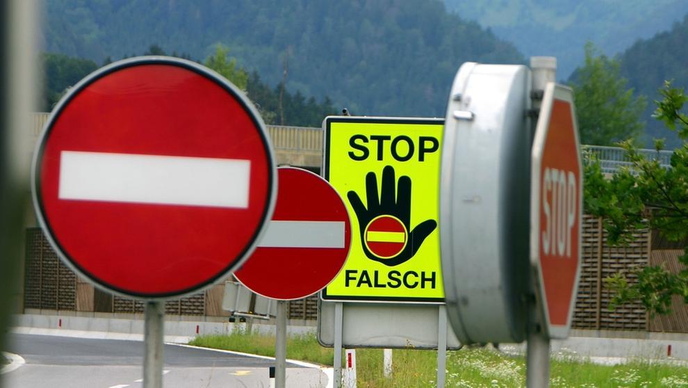 Falschfahrer | Bild:picture-alliance/dpa