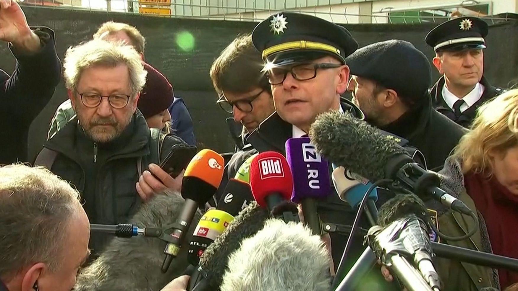 Polizeisprecher Henning Hinn erläutert am Tag anch der Amokfahrt von Volkmarsen den aktuellen Ermittlungsstand.