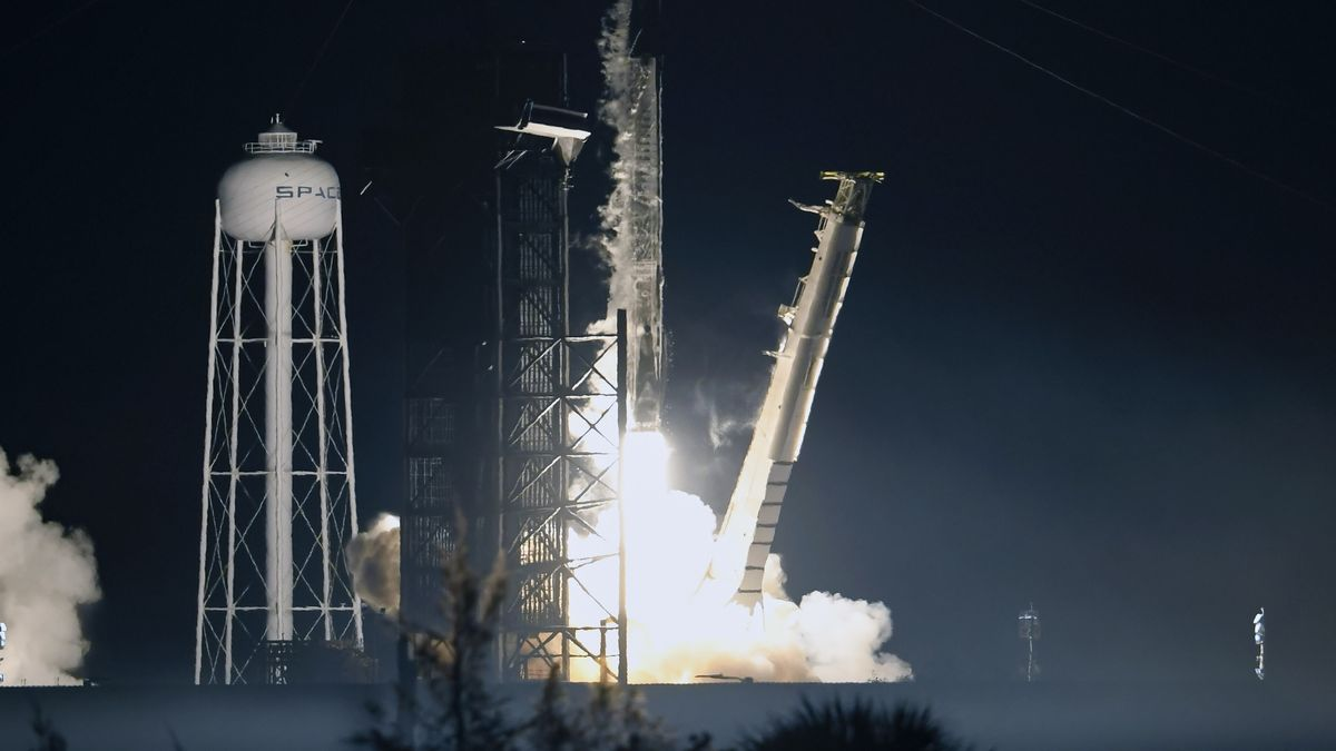 SpaceX Falcon 9 Rakete im Start