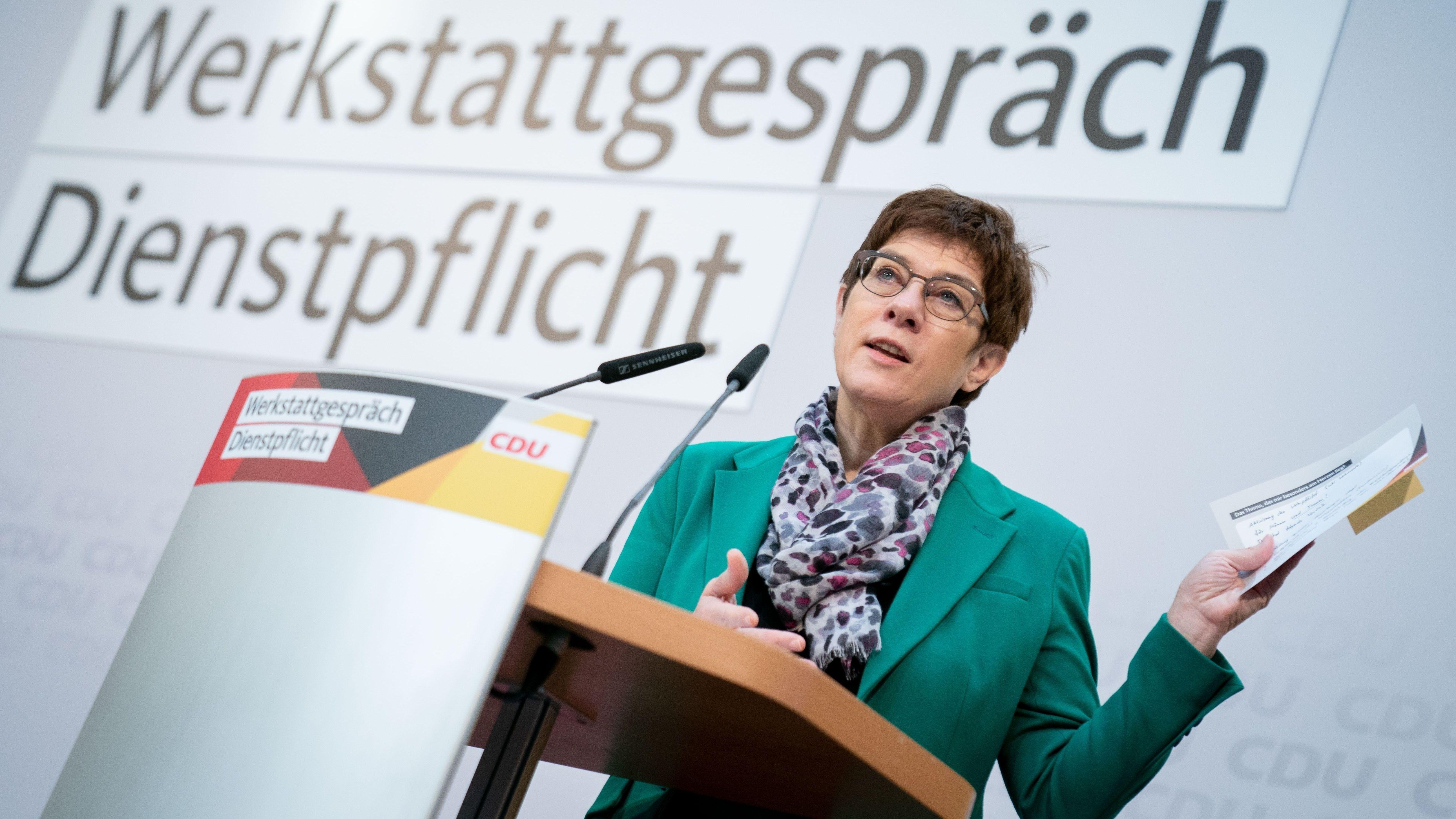 Annegret Kramp-Karrenbauer beim Werkstattgespräch
