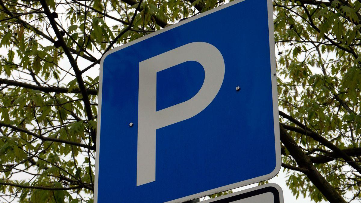 Ein Parkplatzschild