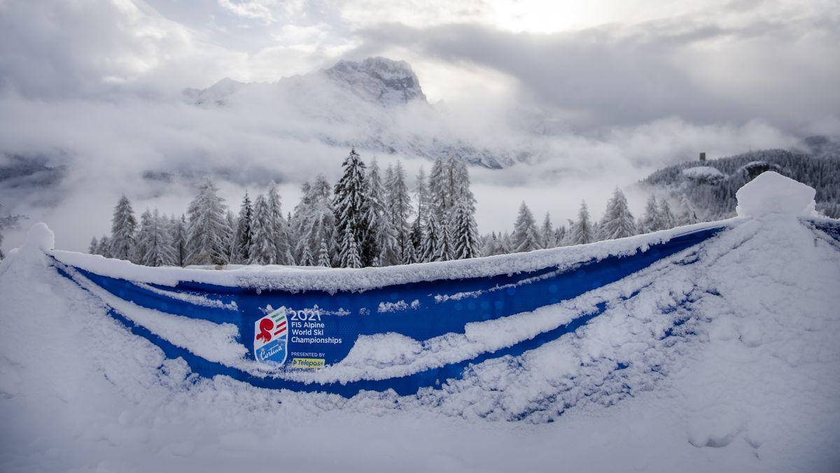 Schneemassen in Cortina d'Ampezzo