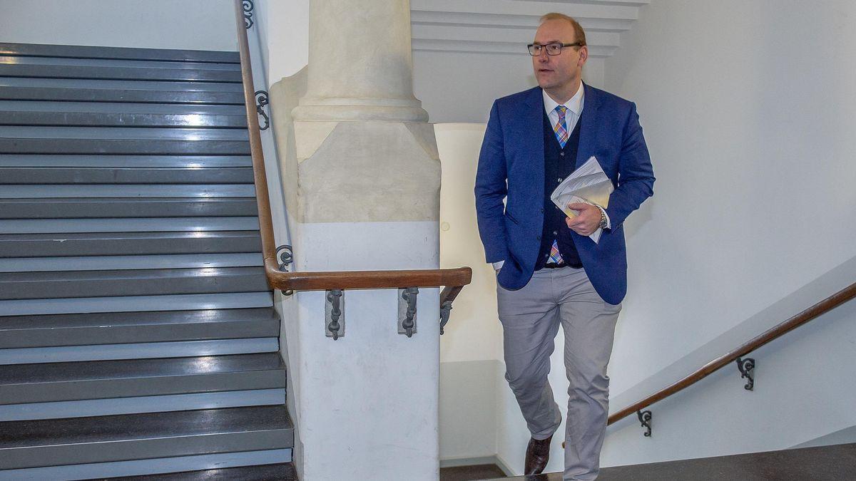Christian Schlegl auf dem Weg in den Gerichtssaal